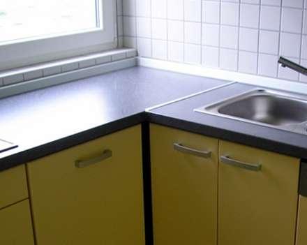 kuhinja spojena aluminijskom kutnom ljasnom